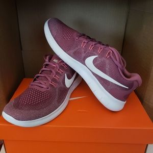 Nike Women's Free RN Running Shoe Size 9